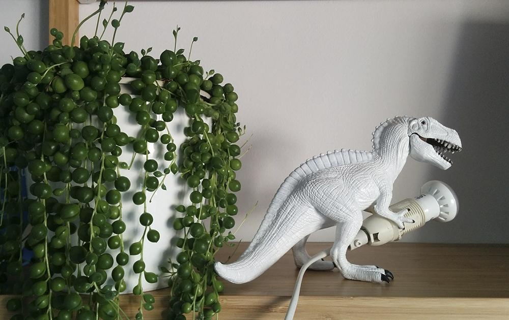 diseño y creacion de lampara con juguete de dinosaurio t-rex